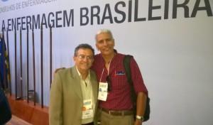 Coordenador científico do CBCENF, Leocarlos Cartaxo, ao lado do presidente do Coren/MT, Eleonor Raimundo